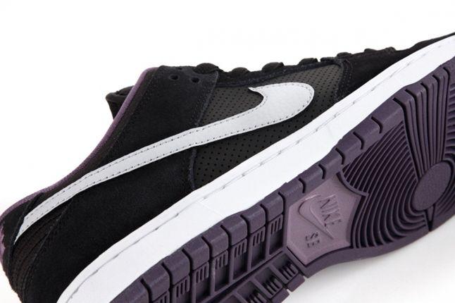 Nike Sb Dqm Dunk Low Pro Purple Sole Detail 1