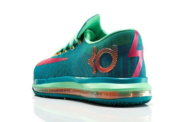 Nike Basketball Elite Series Hero Collection 16