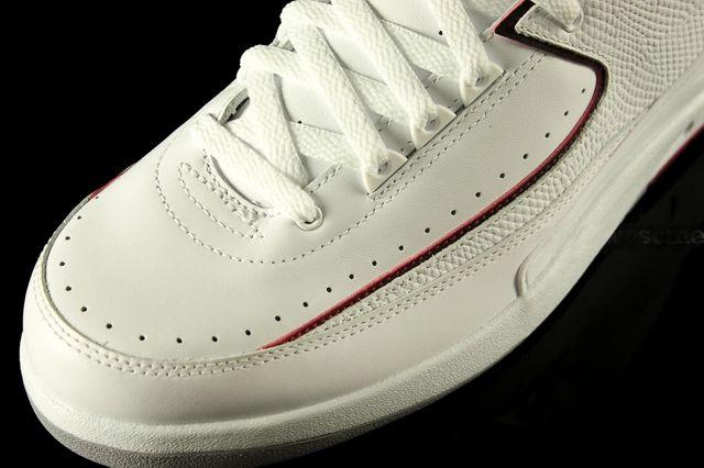 Air Jordan 2 White Varsity Red 8