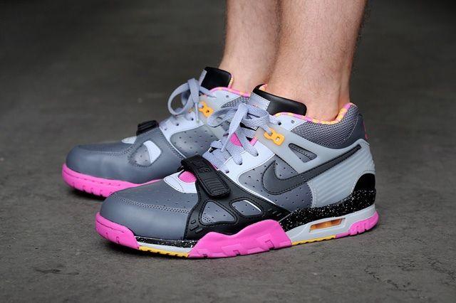 Nike Air Trainer Iii Premium Qs Dark Grey Black Wolf Grey Club Pink Bump 1