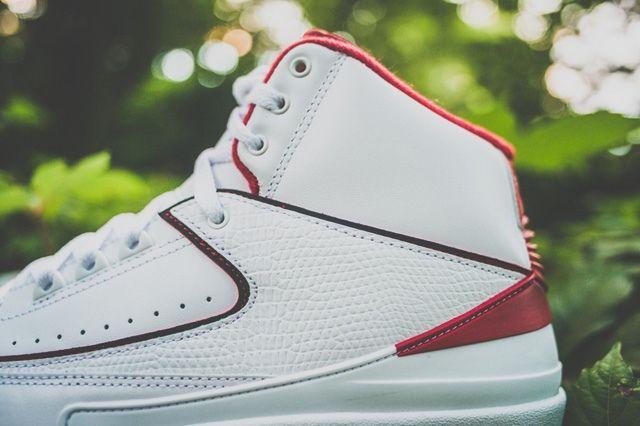 Air Jordan 2 Varsity Red Drop Bump 3