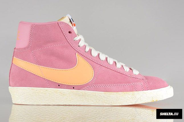 Nike Blazer High Suede Womens 07 1