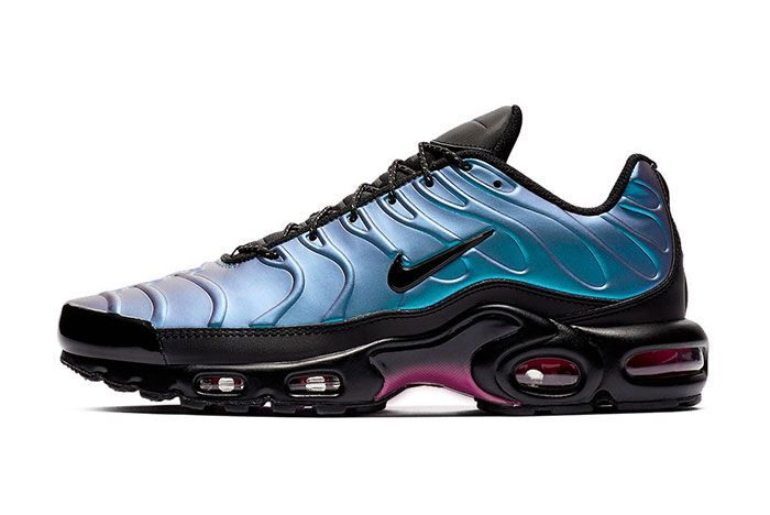 Nike Air Max Plus Laser Fuchsia Left