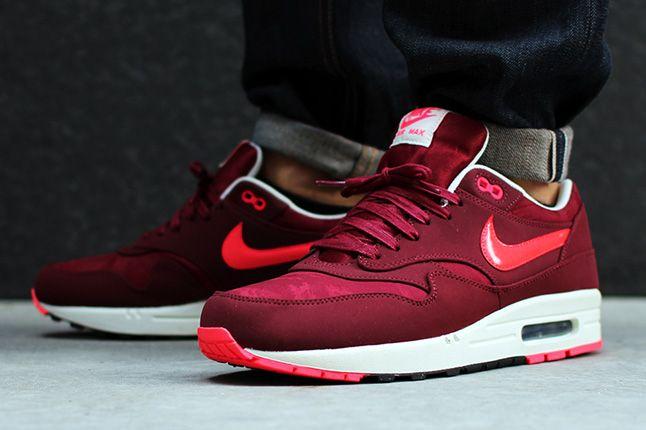 Nike Air Max 1 Premium Team Red Jaquard On Feet 1