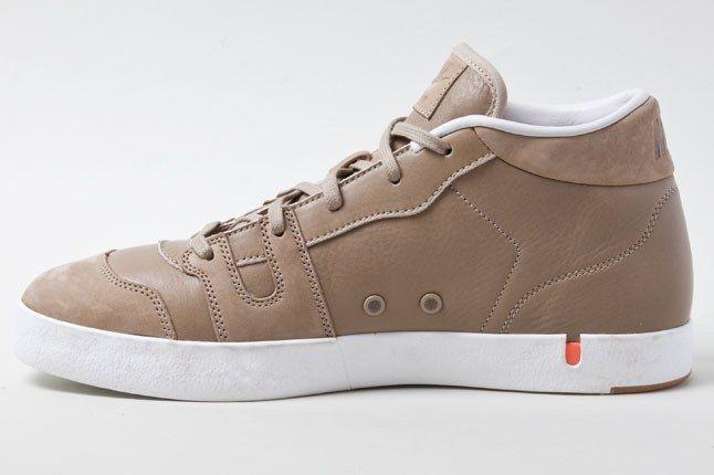 Nike Manor Khaki 2 1