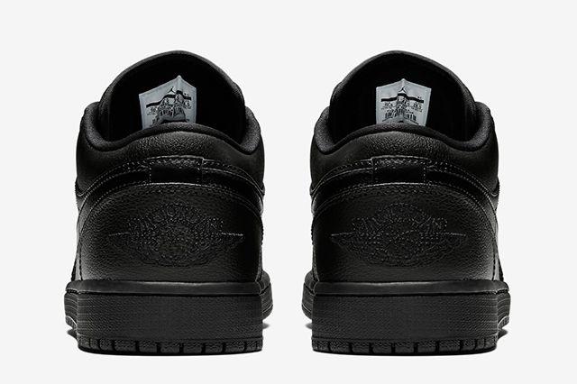 Air Jordan 1 Low Triple Black5