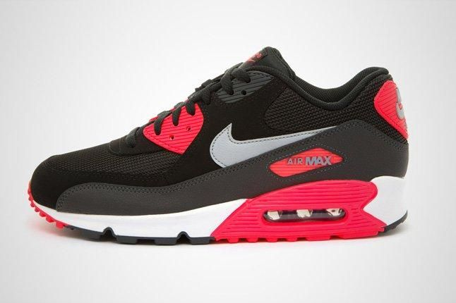 Nike Am90 Blk Infrared Profile 1