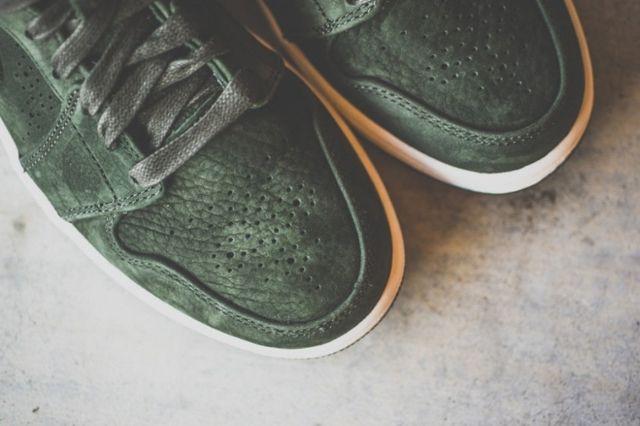 Air Jordan 1 Mid Nouveau Sequoia 4