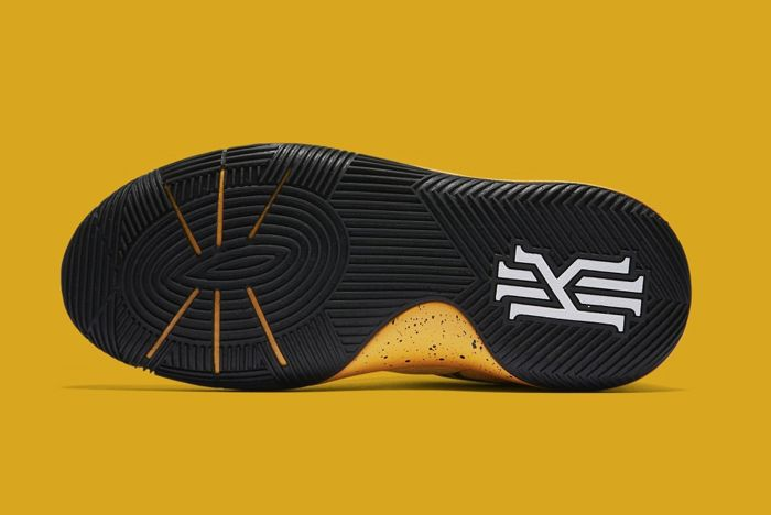 Nike Kyrie 2 School Bus5