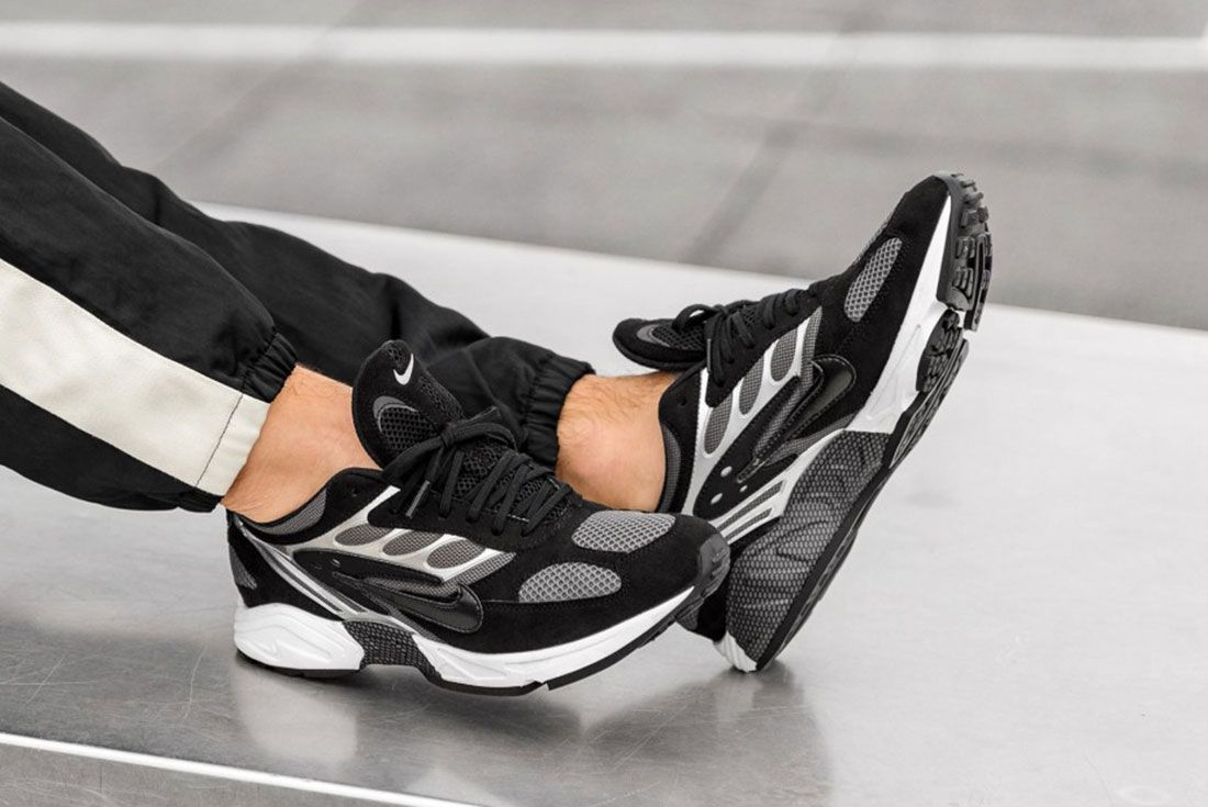 Nike Air Ghost Racer Black Black Dark Grey White At5410 002 Os 1 On Foot