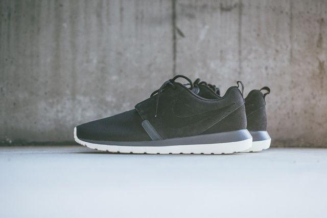Nike Rosherun Nm Black Magnet Grey 2