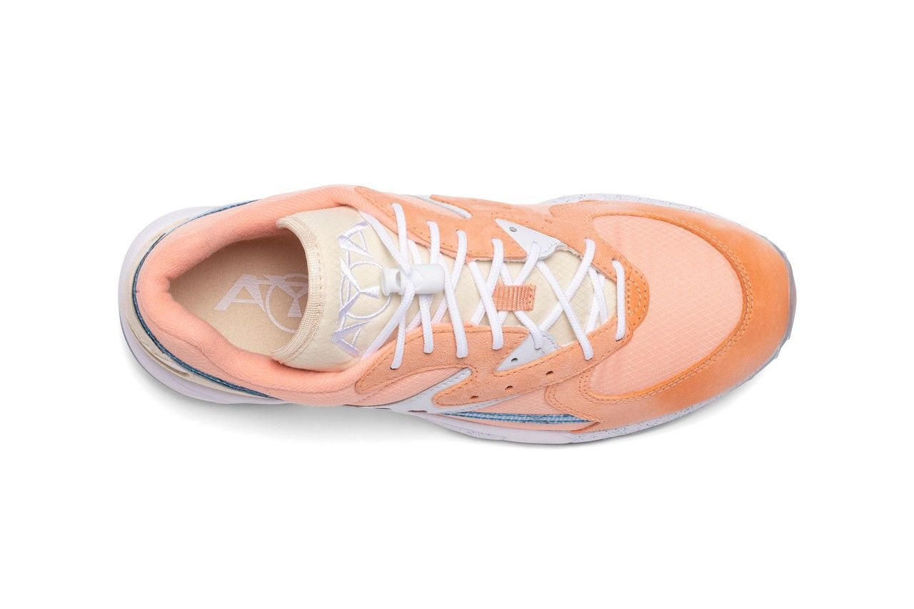 Saucony Aya Peaches and Cream Top