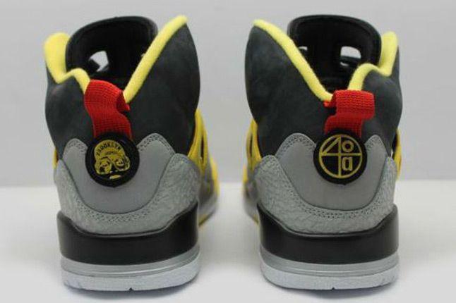 Jordan Spizike 3M Reflective Heels 1
