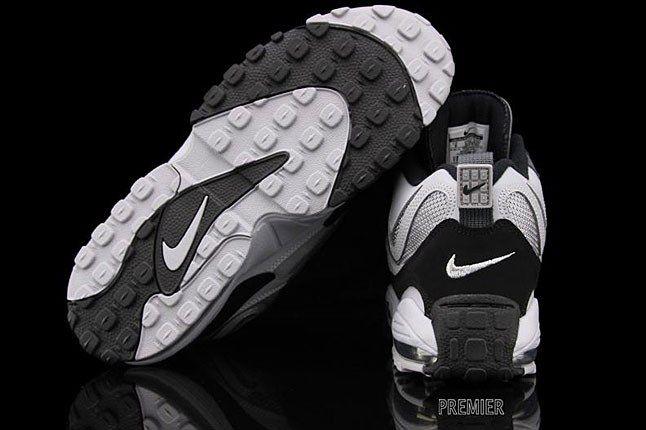 Raiders Nike Sneaker 2