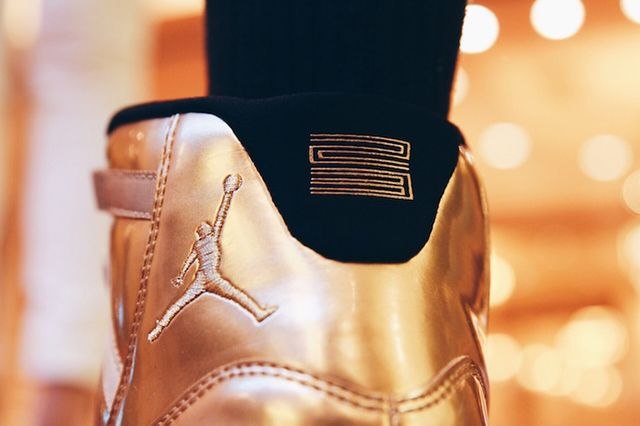 Air Jordan 11 Metallic Gold 3