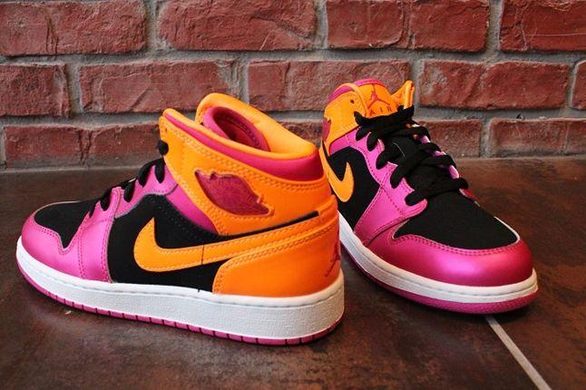 Air Jordan 1 Gs Pink Orange Toe Profile 1