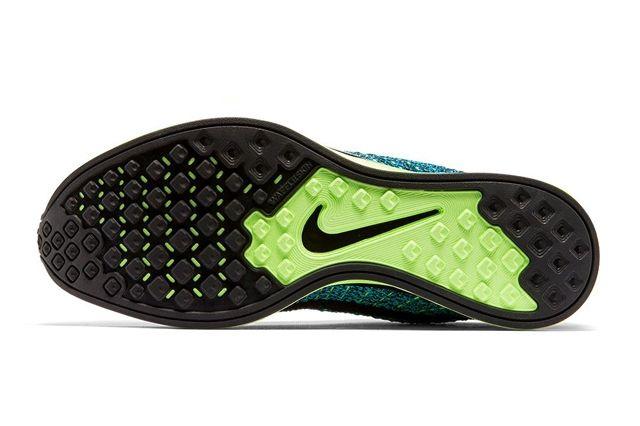 Nike Flyknit Racer Blue Gecko Bumper 2
