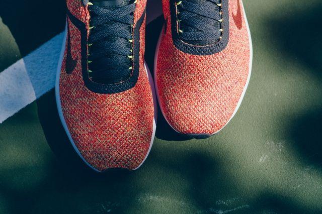 Nike Lunarestoa Crimson Politics Bump 3