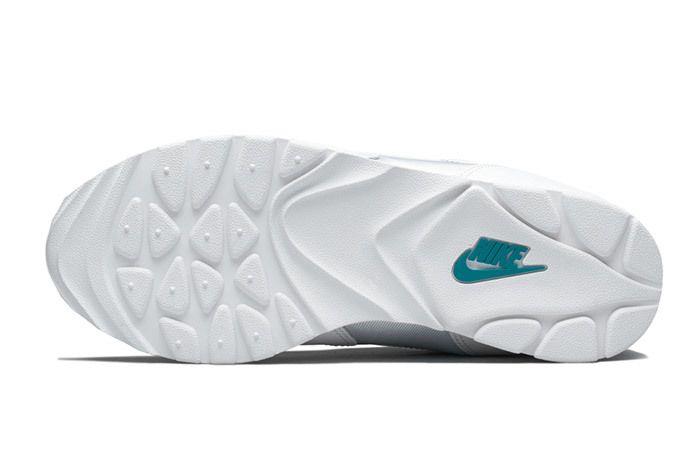 Nike Womens Outburst Og 10