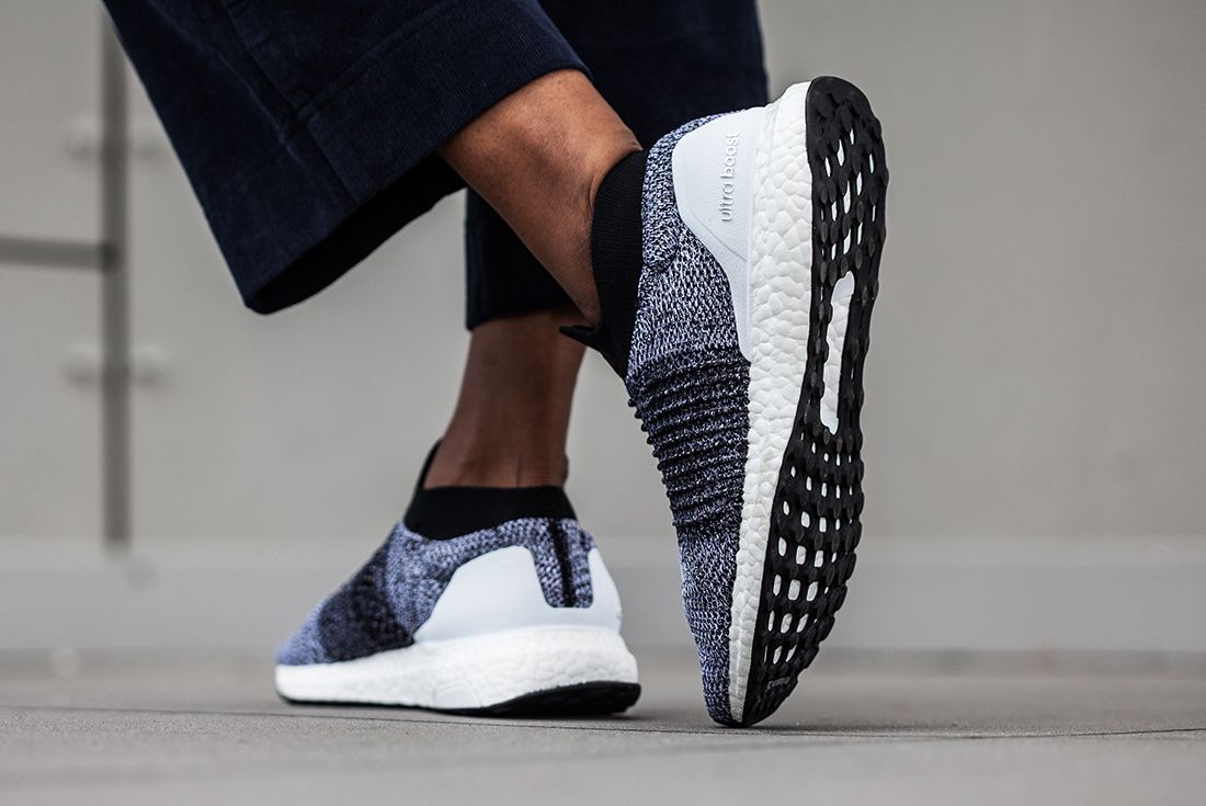 Ultraboost Laceless Wmns 6311 4