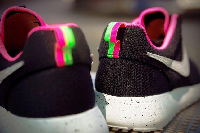 Nike Size Urbansafari Pack Pt2 Blk Heel Detail 1