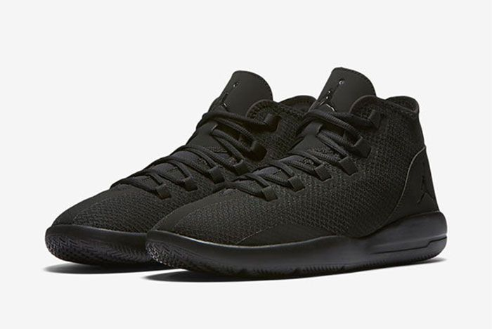 Jordan Reveal Triple Black 3