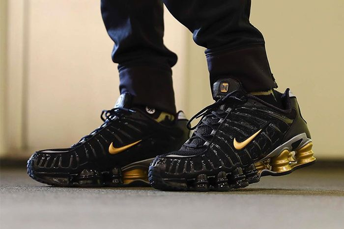 Neymar Nike Shox Tl Black Gold Collaboration First Look Bv1388 001 Release Date Pair