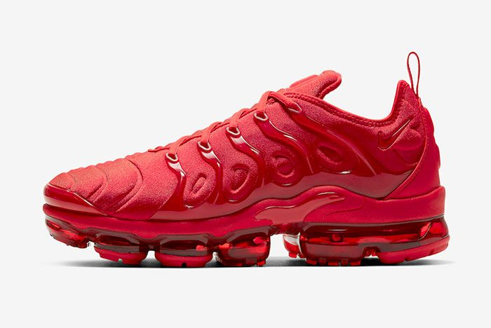 Nike Air Vapor Max Plus Red Cw6973 600 Lateral Side Shot