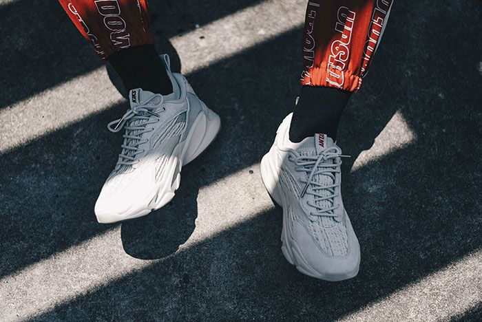 Anta X Kiks La Runner 06 On Foot