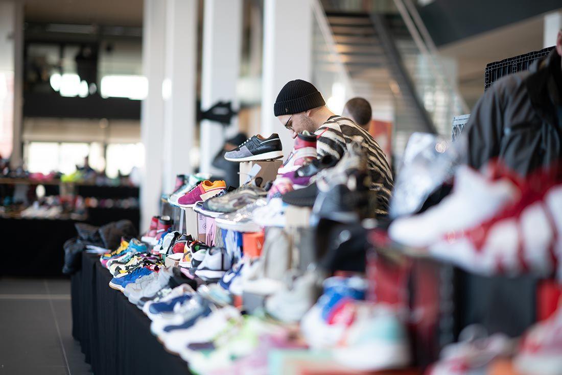 Schu Hs 2 0 Event Sneaker Stand
