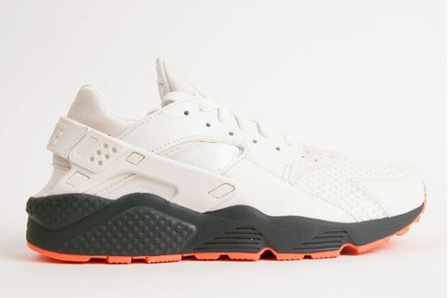 Nike Air Huarache White Grey Crimson 5