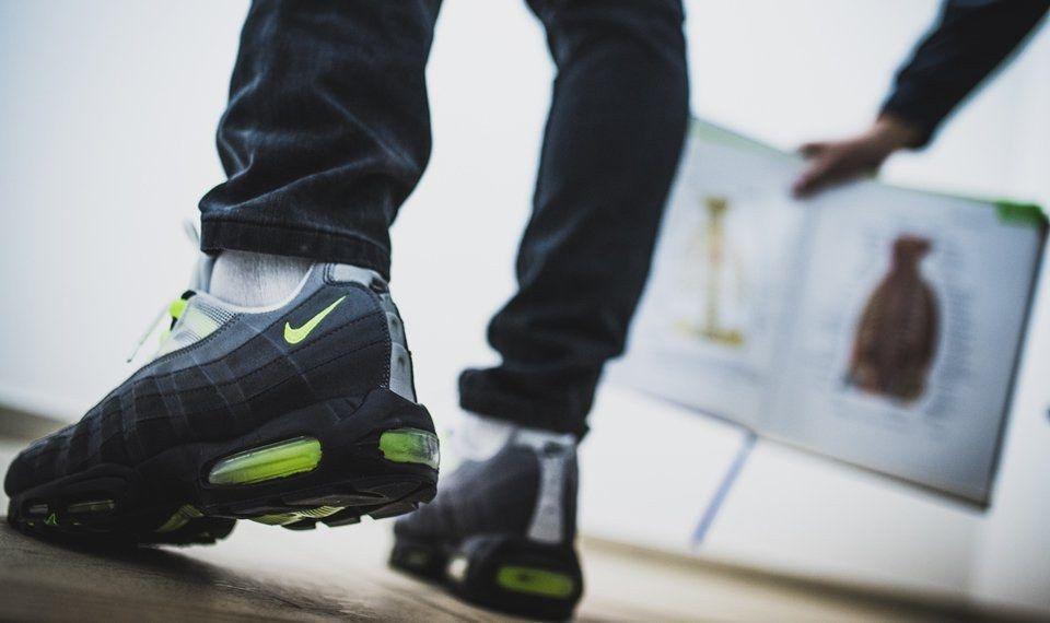 Nike Am Day Snkrshot Reverse Evolution 28