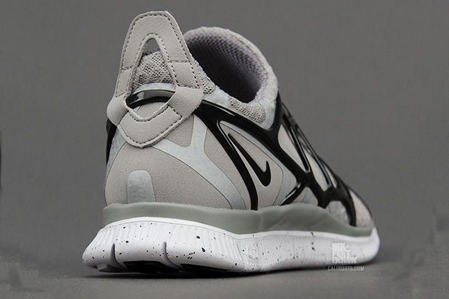 Nike Free Alt Closure Run Mdmgrey Blk Heel Quarter 1