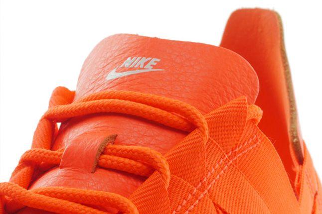Nike Roshe Run Woven Total Crimson Tongue 1