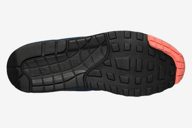 Nike Air Max 1 Split Pack Brave Blue Atomic Pink 3