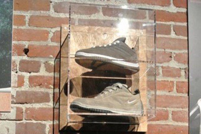 Nike Sb Anniversary Glass Case 1