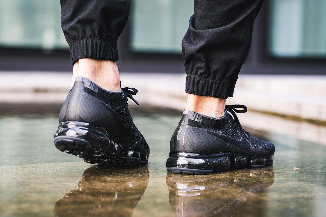 Nike Air Vapormax Black Anthracite On Feet 1