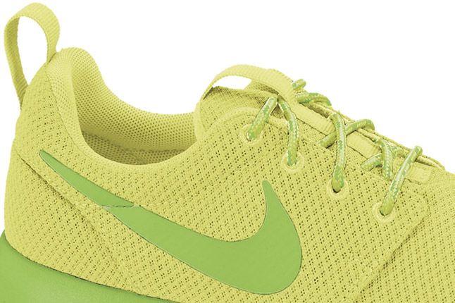 Nike Roshe Run Womens Liquid Lime 02 1