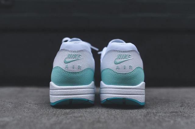 Nike Am1 Artisan Teal Bumper 4