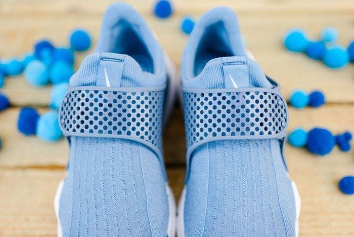 Nike Sock Dart Wmns Work Blue Wht 4