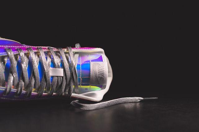 Nike Wmns Blazer Mid Irisdescent Bump 1