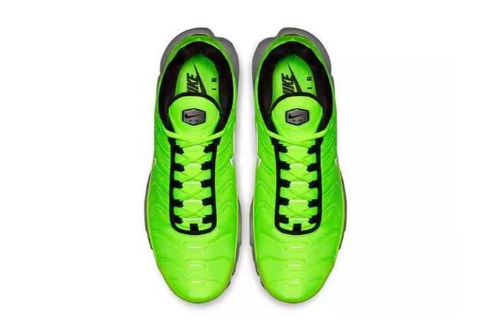 Nike Air Max Plus Premium Volt 2