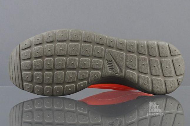 Nike Roshe Run 2Faced Green Outsole 1