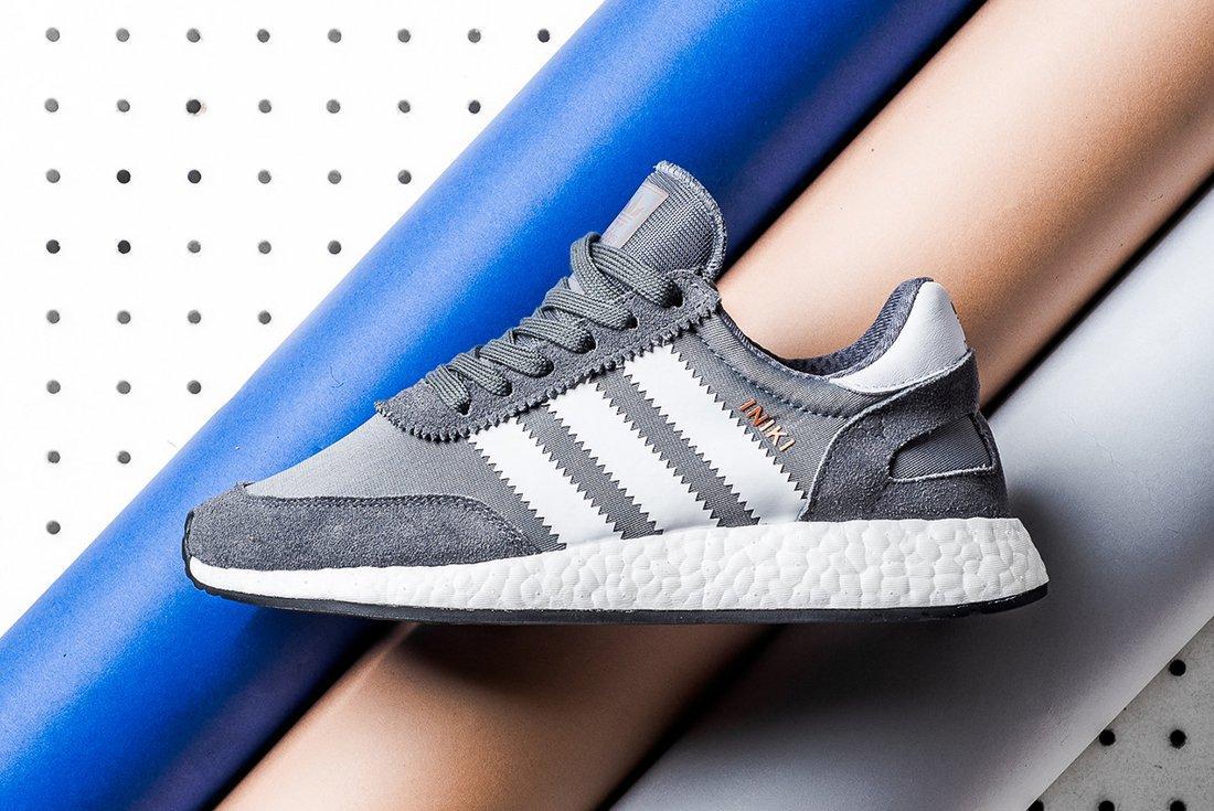 adidas Iniki Runner BOOST (Grey/White