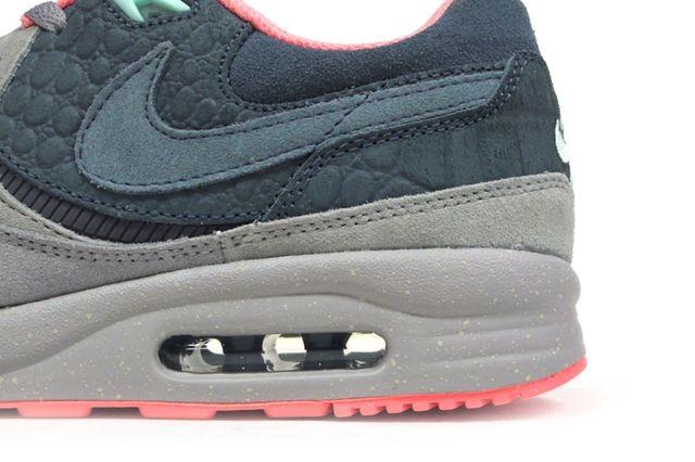 Mita Sneakers Nike Air Max Light Qs 1