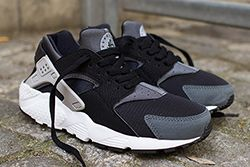 Nike Air Huarache Junior Black Wolf Grey Thumb
