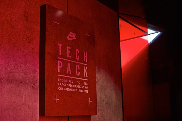 Nike Tech Pack Melbourne 7