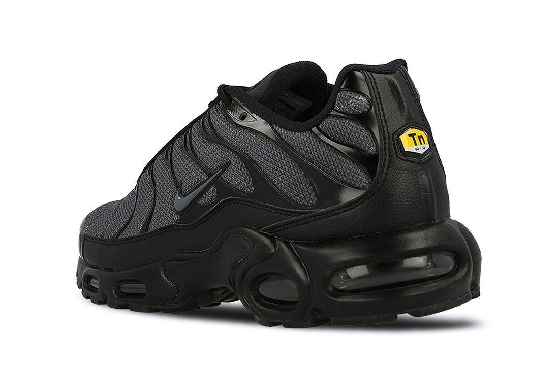 Nike Air Max Plus Womens Black Dark Grey5