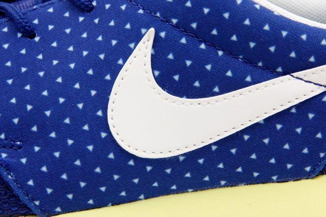 Nike Roshe Run Polka Blue Swoosh Detail 1