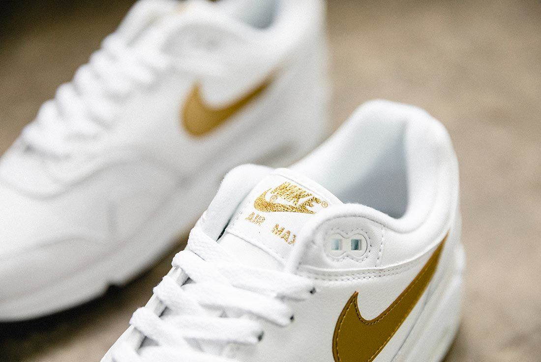 Nike Air Max 90 Gold 6